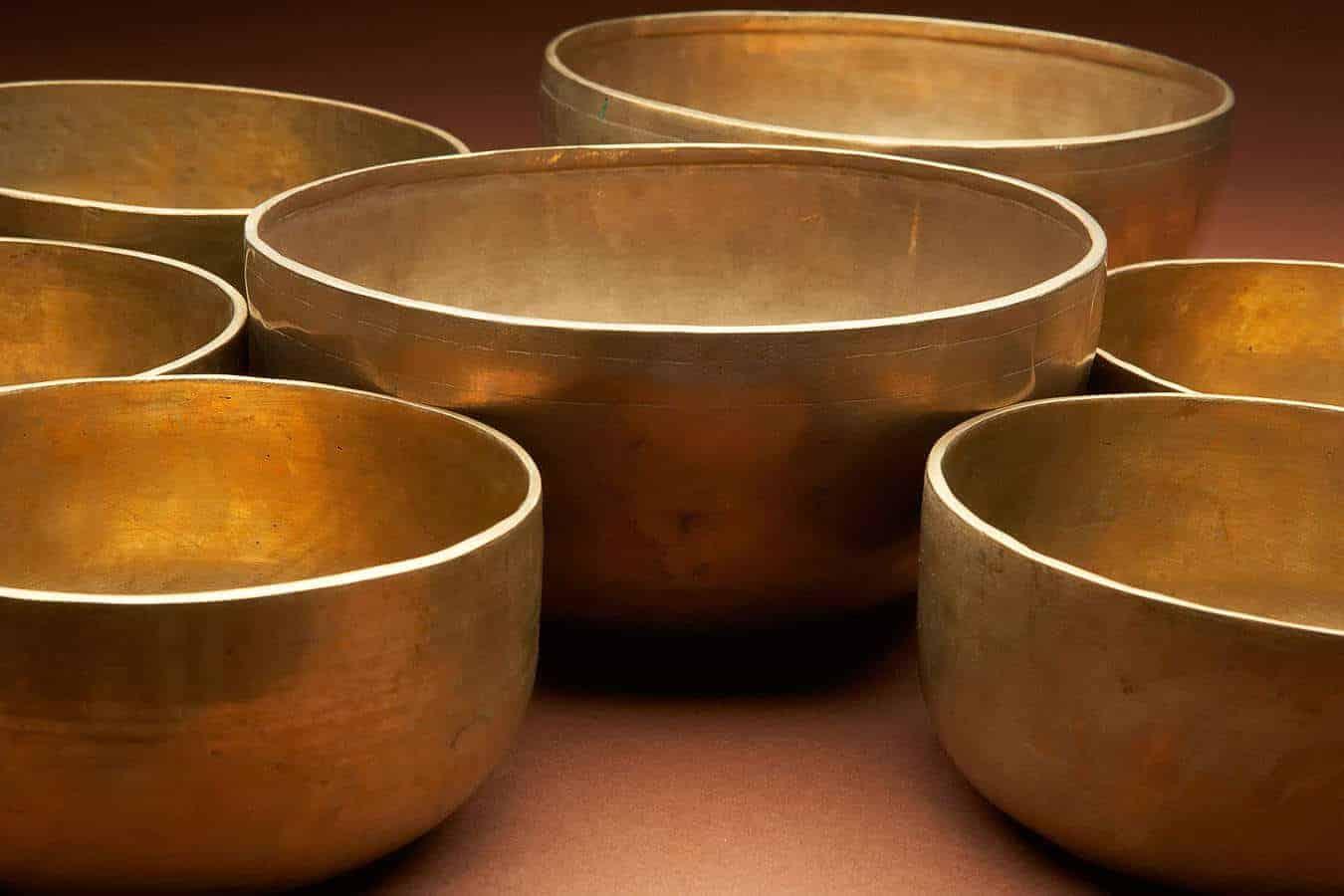 Tibetan style Ohm singing bowls